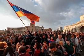 За или против протестов: эксперты о позиции российских армян
