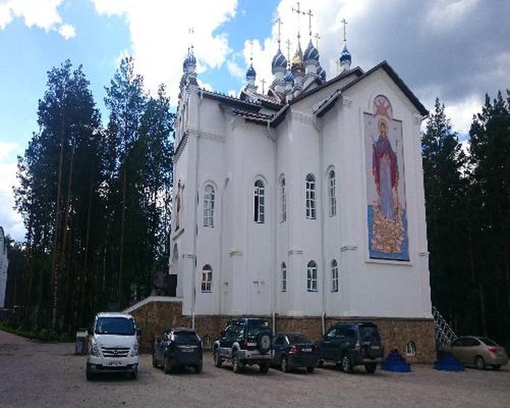 Епархия: прихожанам захваченного Среднеуральского монастыря нужно выбрать новый приход