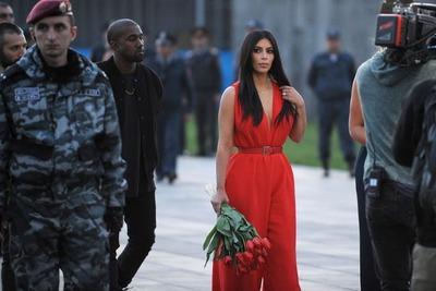 Ким Кардашьян раскритиковала WSJ за отрицающую геноцид армян рекламу