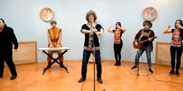 В Башкортостане сыграли песню группы Little Big на народных инструментах