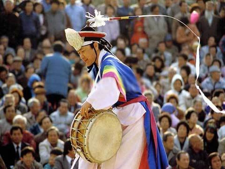 Тюменские корейцы празднуют Чхусок