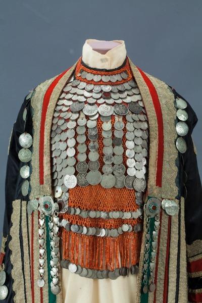 В Историческом музее покажут праздничную одежду народов России