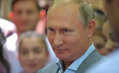 Путин призвал возродить программу сохранения национальных языков на современной основе