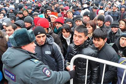 Госдума смягчила закон для мигрантов-нарушителей
