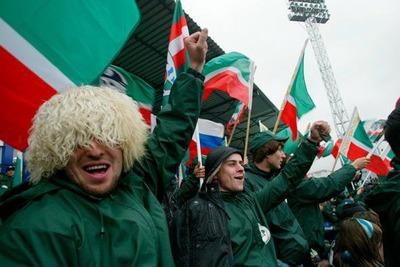 """Болельщика """"Зенита"""" оштрафовали на тысячу рублей за поджог чеченского флага"""