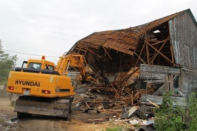 В Плеханове снесли еще 17 незаконных цыганских домов