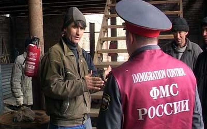 Глава Подмосковья попросил УФМС и полицию не допустить притока нелегалов