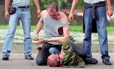 Жертвами десантников в праздник стали гастарбайтеры и африканский студент
