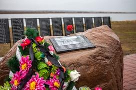В Ижме открыли памятник олене-лыжному батальону