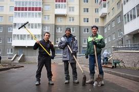 Жириновский предложил брать налоги за денежные переводы и роды мигрантов