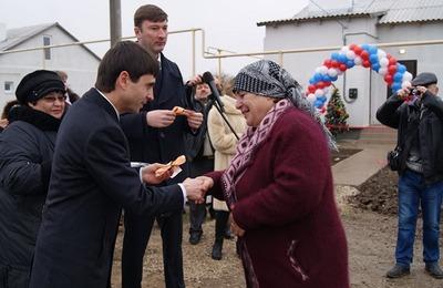 К Новому году крымским татарам вручили ключи от новых домов