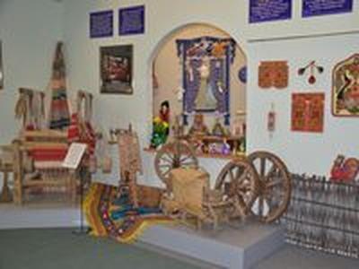 В Барнауле открылась выставка традиционных русских ремесел