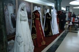 Стилизованные национальные платья показали на адыгском фестивале в Ставрополе