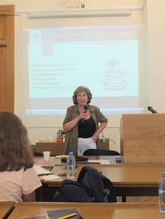 В Москве прошла лекция Евгении Михалевой о взаимоотношении СМИ и НКО
