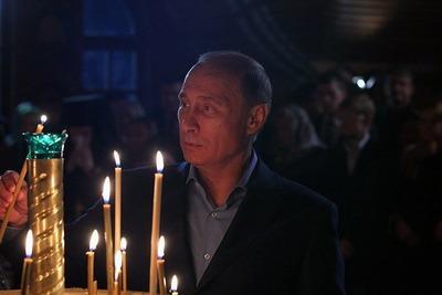 Путин рассказал о роли православной церкви в создании межнационального мира и своем тайном крещении