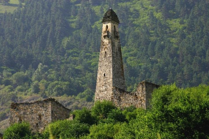 """В Ингушетии восстановили средневековую боевую башню """"Меллери"""""""