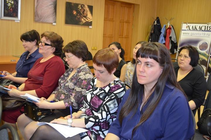 Эксперты Гильдии межэтнической журналистики обсудили с представителями СМИ Хакасии лучшие практики