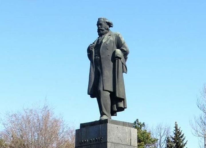 Представителям армянской общины в Ростове отказали в переносе памятника Карлу-Марксу