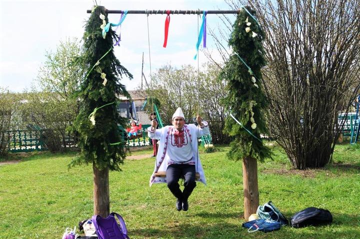 Марийцы отметят Пасху конкурсом пасхальных качелей