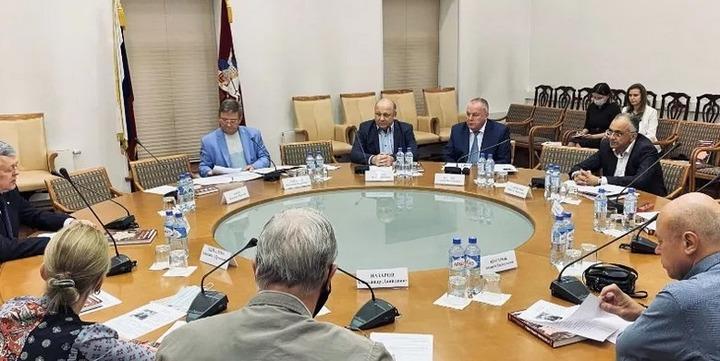 Владимир Зорин оставил пост председателя общественного совета Московского дома национальностей