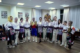 Сербско-русский хоровод