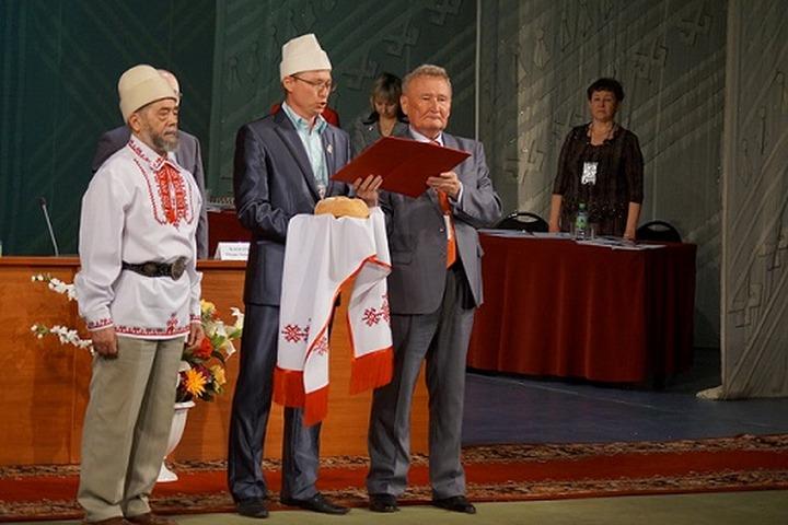 На Съезде марийцев выбрали нового лидера Всемарийского совета