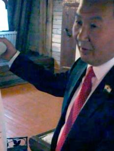 Якутский депутат символически сжег историка Казаряна за оскорбление якутского этноса