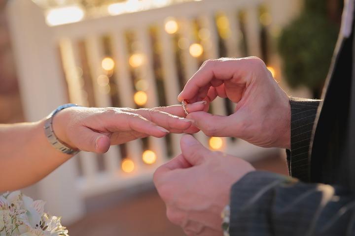 В Москве на Красную горку поженятся полторы тысячи пар