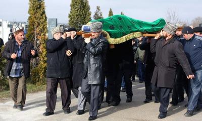 Проблему дорогостоящих похорон в Адыгее предложили решить возвратом к традициям