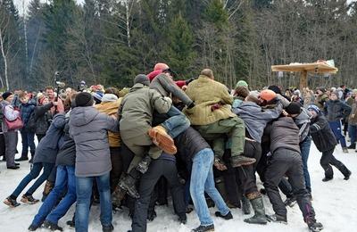 Федерация этноспорта России готова подать в суд на британскую газету из-за Масленицы