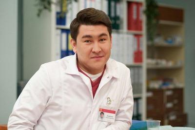Известный КВНщик пожаловался на угрозы из-за его шутки о казахском языке