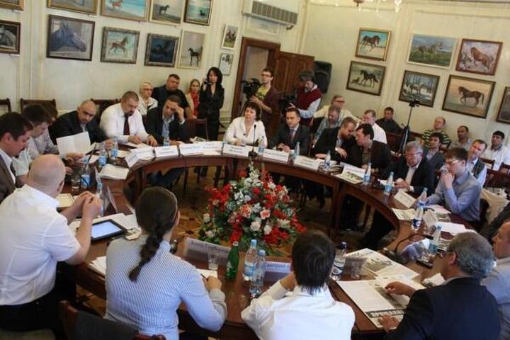 Русские националисты обсудили с диаспорами визовый режим для мигрантов