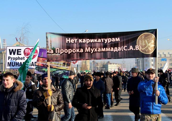 """В Чечне запретили страницу """"Шарли Эбдо"""" в Твиттере"""