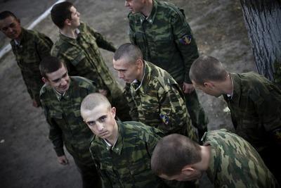 Русские националисты обеспокоены массовым призывом в армию уроженцев Кавказа