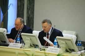 Глава Хабаровского края предложил отсрочить тестирование мигрантов на год