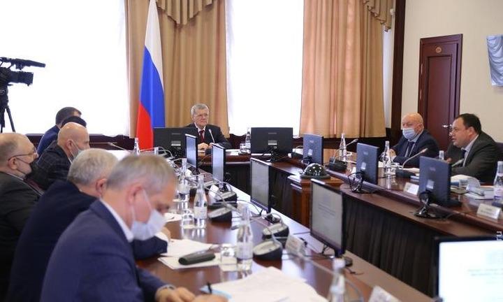 Юрий Чайка попросил власть и общественность в СКФО пресекать любые попытки межнациональной розни