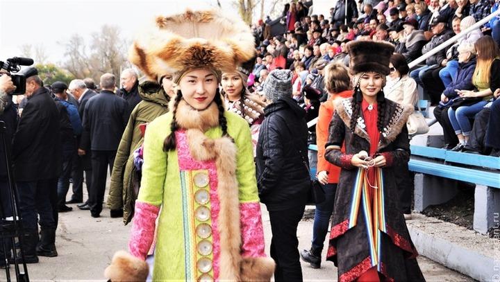 Экзамен по хакасскому языку напишет почти 100 школьников