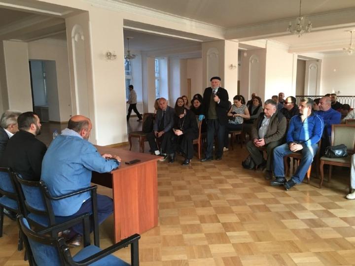 Армяне Петербурга готовы принять детей из Нагорного Карабаха