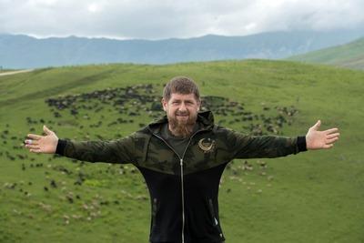 """Рамзан Кадыров приглашает туристов в этнокомплекс """"Шира Бена-Юрт"""""""