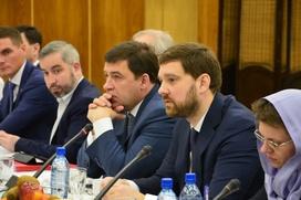 Глава ФАДН попросил помощи Ирана в создании медресе в России