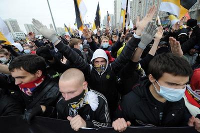 """В Петербурге задержали четверых противников митинга националистов в поддержку """"евромайдана"""""""