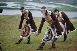 В интернете проводят конкурс эскизов эвенкийского костюма