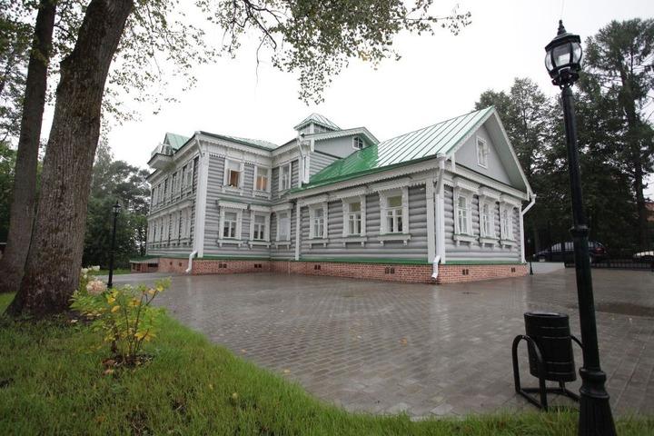 В подмосковном Федоскине открылся музей народных художественных промыслов