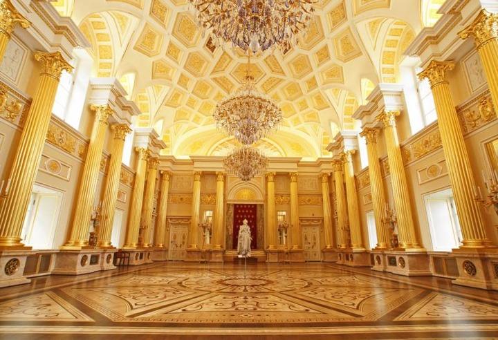 Принцесса Ангальт-Цербстская посетит Екатерининский бал в Москве