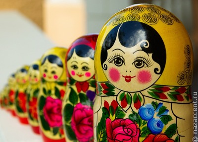 Матрешки семейной династии представили на выставке в Череповцах