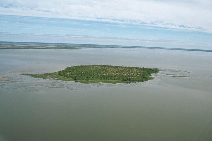 Священное для хантов озеро Нумто включили в реестр объектов культурного наследия