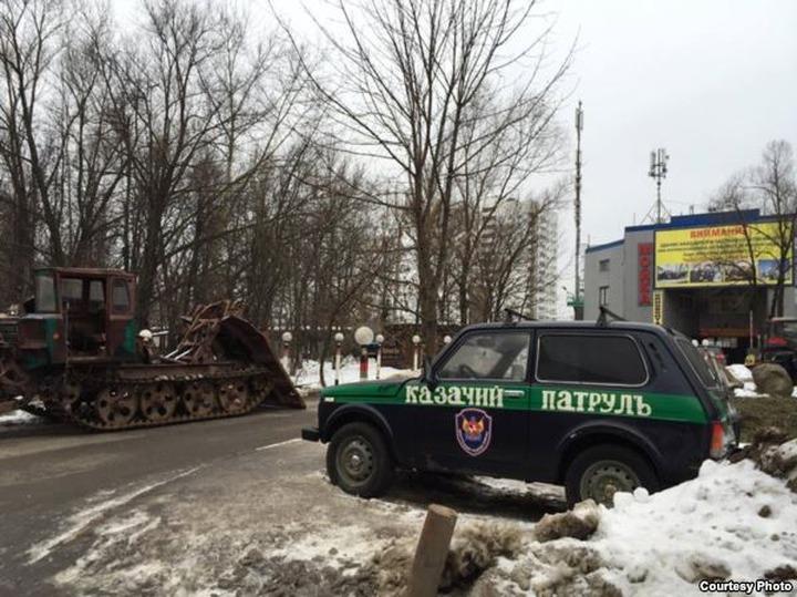 Московские казаки приготовились защищать свою автомойку от бульдозеров