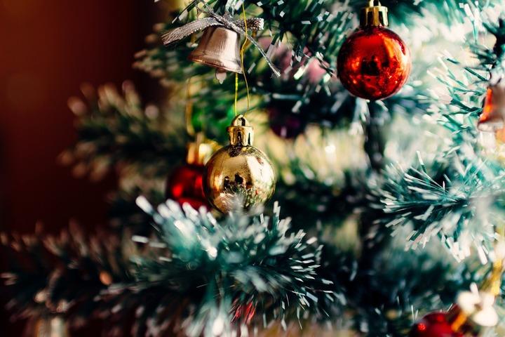 Якутский Дед Мороз зажёг огни на первой в России ёлке
