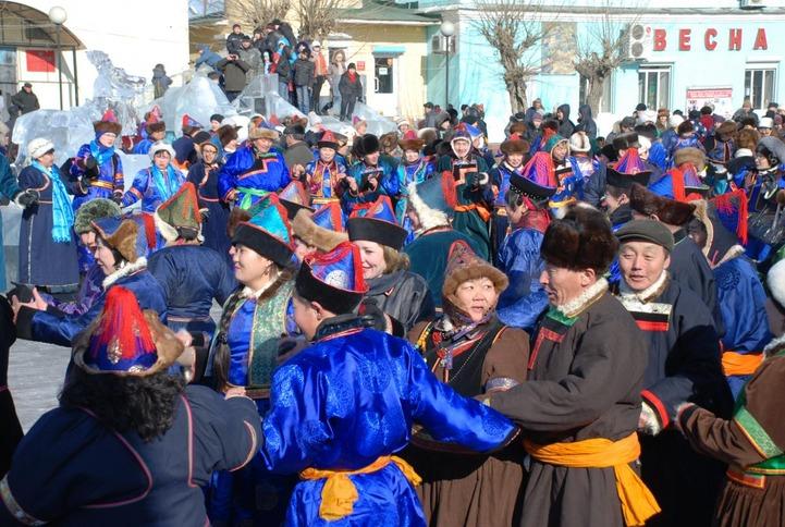 Три тысячи человек станцуют ёхор вокруг священной горы в Иркутской области