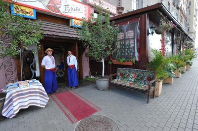 Владельца сети ресторанов украинской кухни объявили в федеральный розыск